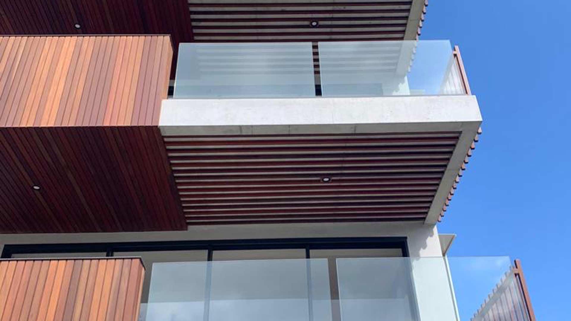 balustrading, glass balustrading, framless glass balustrading, glass balcony