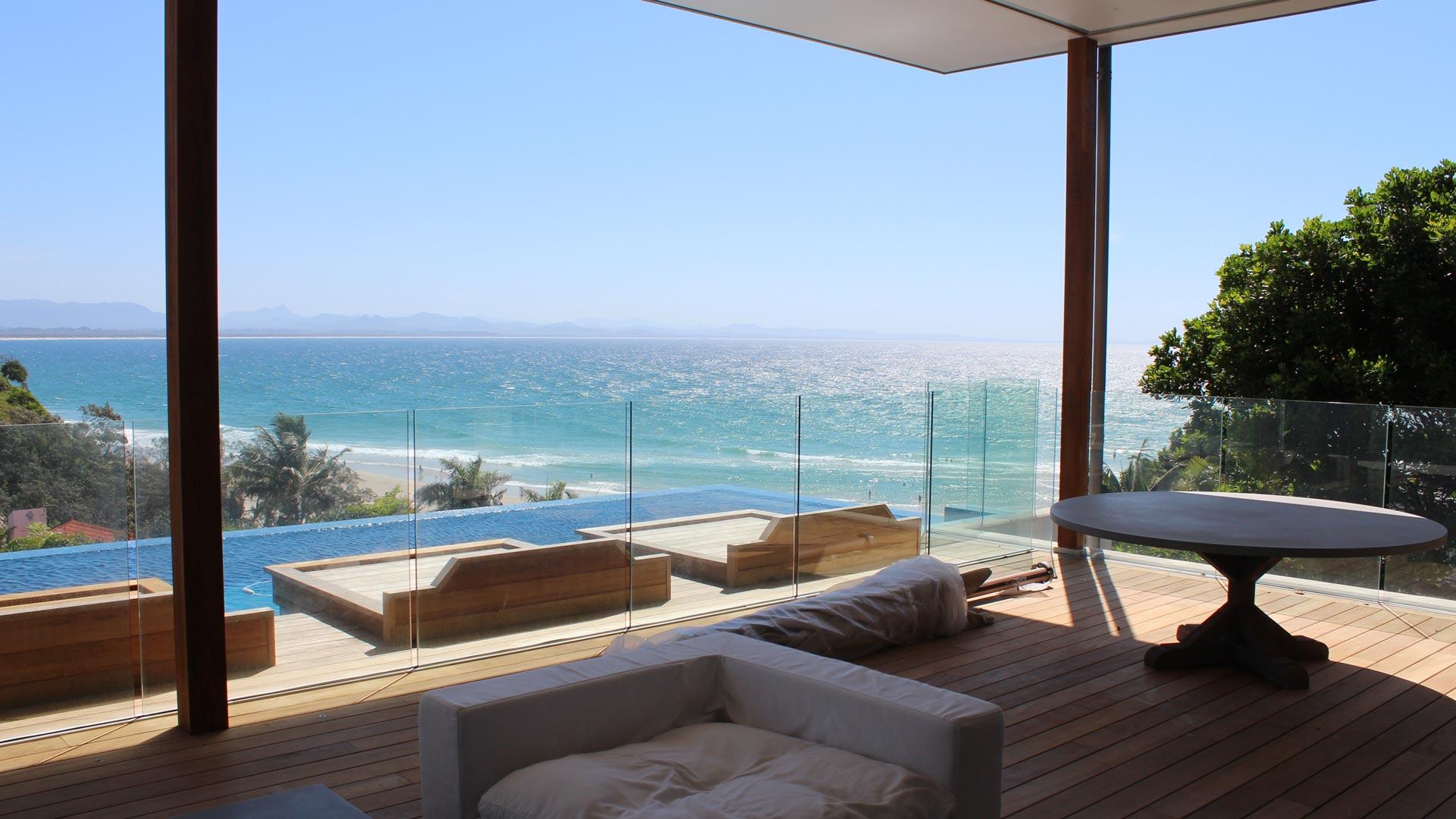 frameless pool fencing, saftey glass, glass laminate, frameless balustrading