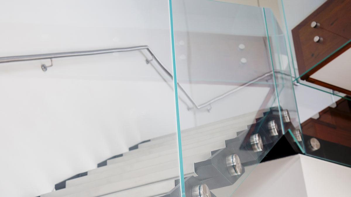 safety glazing, glass laminate, frameless glazing, frameless structural glass