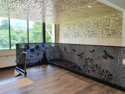 Using Custom Laminated Glass Panels to Enhance Your Building with a Modern Look