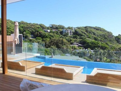 Glass & Your Pool – How & Where To Use It
