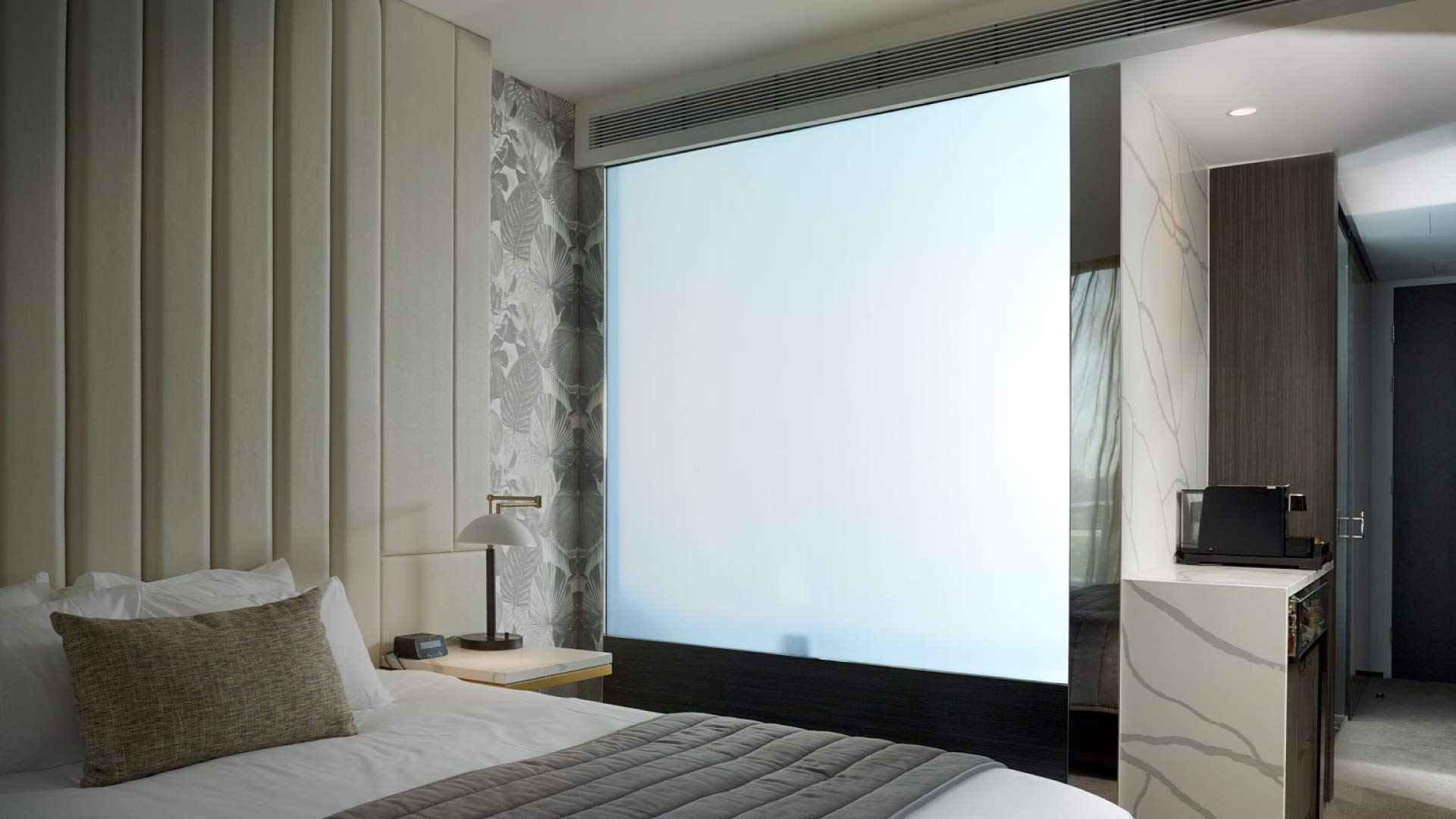 smart privacy glass, glass that turns opaque, electric privacy glass, electric glass, switchable glass